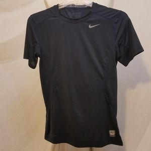 NIKE Pro Combat Short Sleeve Shirt, Small